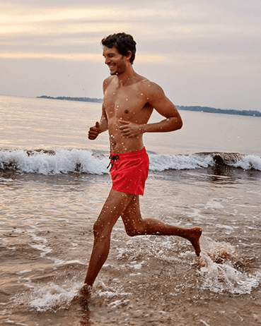 MEN SWIMWEAR SHORT AND FITTED STRETCH SOLID