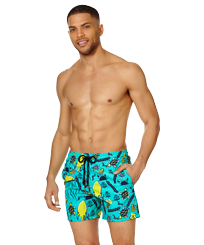 Men Classic Printed - Men Swim Trunks Turtles Beach, Veronese green frontworn