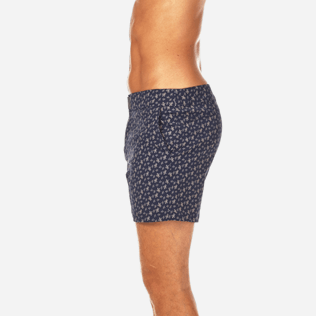 Men Fitted Printed - Micro Ronde des Tortues Superflex Fitted cut Swim shorts, Navy supp3