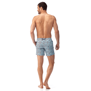 Uomini Aderente ed elasticizzato Stampato - Fish Net Fitted cut Swim shorts, Bleu givre backworn