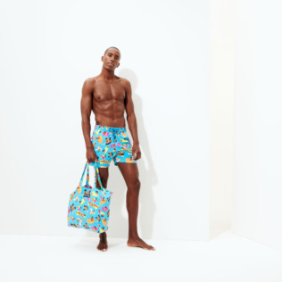 男款 Stretch classic 印制 - Men Swimwear - Vilebrequin x Derrick Adams, Swimming pool supp3