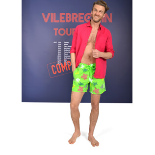 Men swimwear Tortues Multicolores look,  front