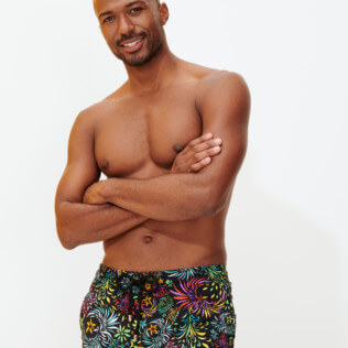 Men Stretch classic Printed - Men Swimwear Stretch Evening Birds, Black frontworn