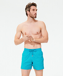 Homme CLASSIQUE STRETCH Uni - Maillot de bain homme Stretch Micro Ronde des Tortues, Azurin frontworn