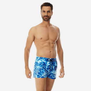 Men Short classic Printed - Men Short and Fitted Stretch Swimwear Splash, Neptune blue frontworn